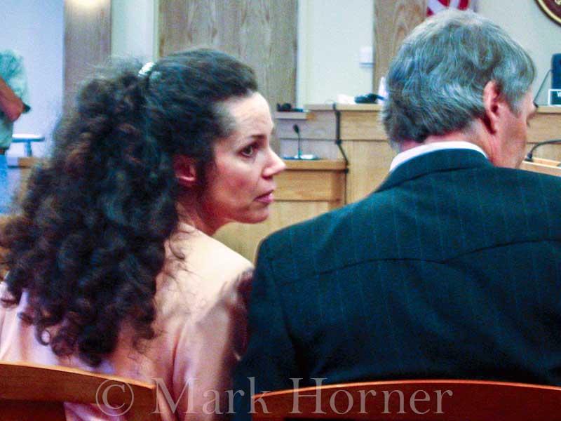 Linda Henning trial 100102 02
