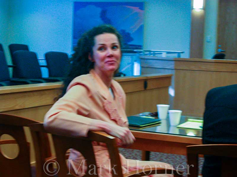Linda Henning trial 100102 07