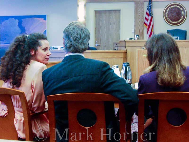 Linda Henning trial 100102 09